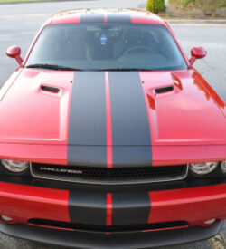 challenger-racing-stripes-solid
